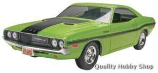 Revell 1/25 scale 1970 Dodge Challenger Muscle Car plastic model kit