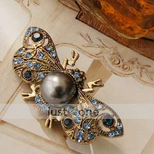 Women Flying Bee Wasp Crystal Rhinestone Brooch Pin