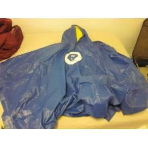 Giants NFL Game Used Rain Poncho   Other NFL Items