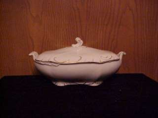 JOHNSON BROS. CHINA VINTAGE COVERED VEGETABLE DISH